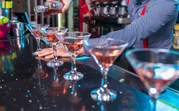 Bartender hire and bar staff hire from Midlands Bar Hire.